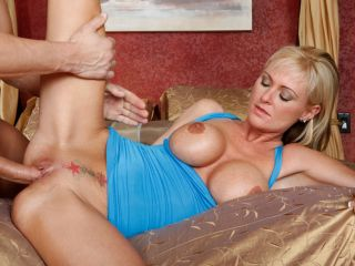 Mature Cougar Allison Kilgore